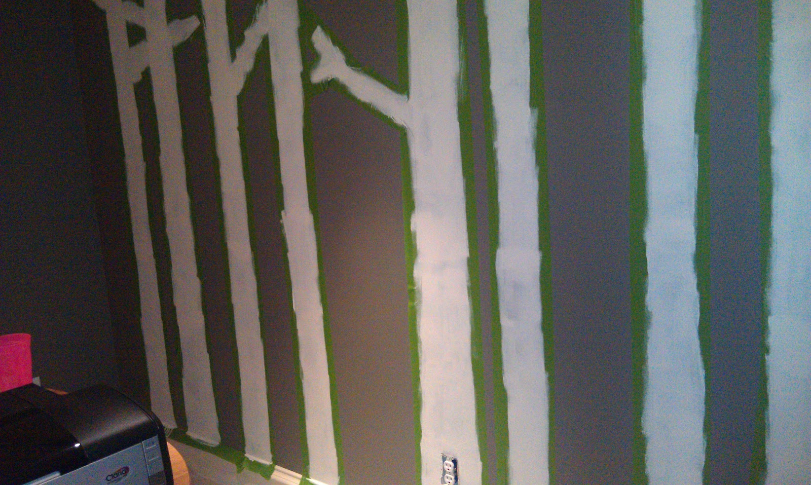 Priss this diy painted birch tree wall forest mural for Diy wall mural painting