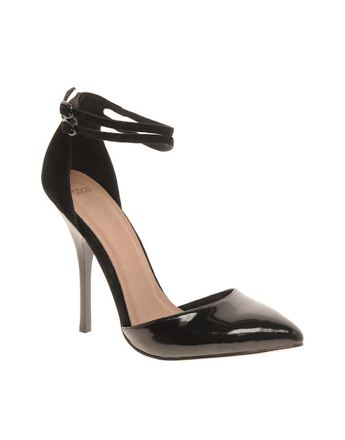 Elegantes calzado de moda para fiesta