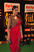 Shriya Sizzling in saree at IIFA Utsavam-thumbnail-17