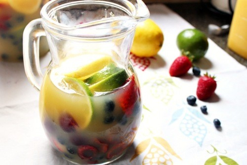 white summer sangria what a great and easy way to use fresh summer ...