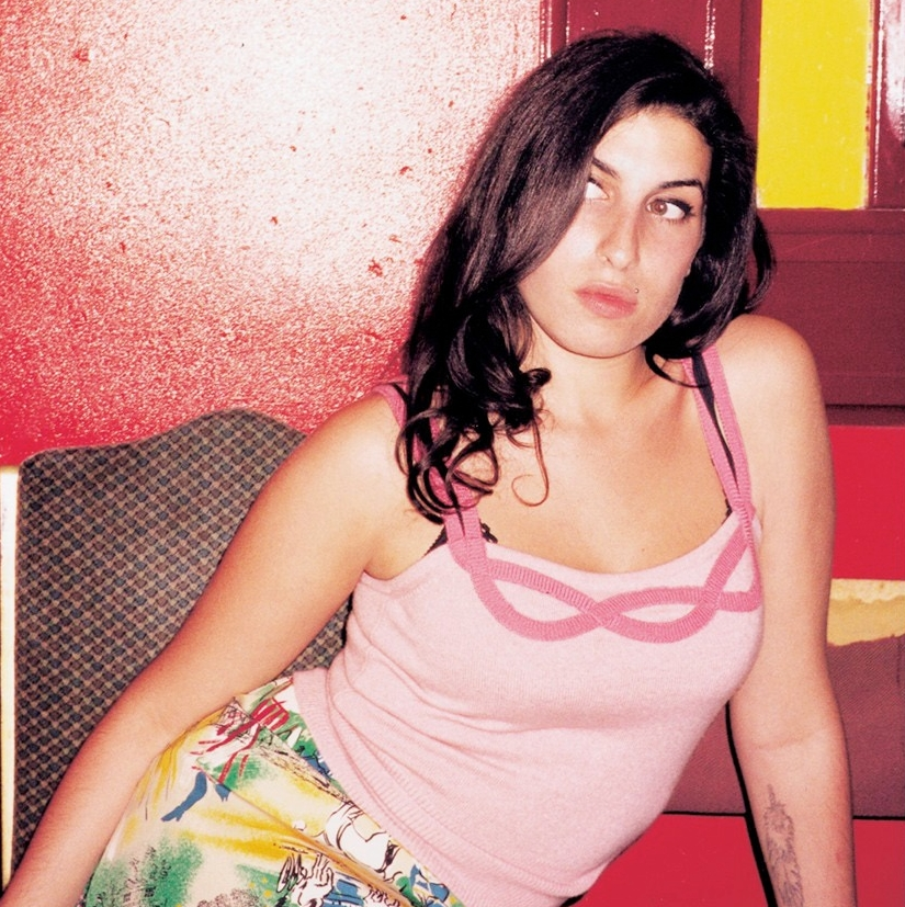 Amy Winehouse Singer Family To Identify Body | Mobile Wallpaper ... Amy Winehouse