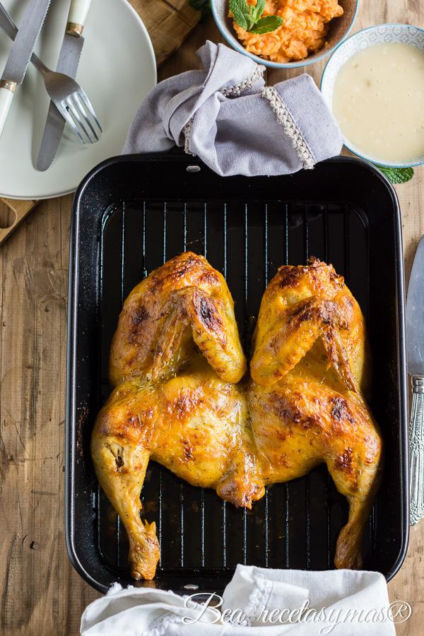 Pollo al horno con mostaza y ajo acompañado de puré de boniato y menta