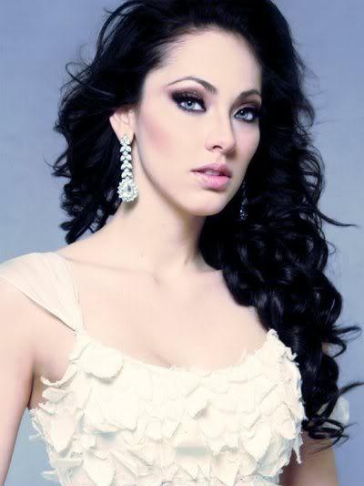 Perla Beltran have a beautiful face