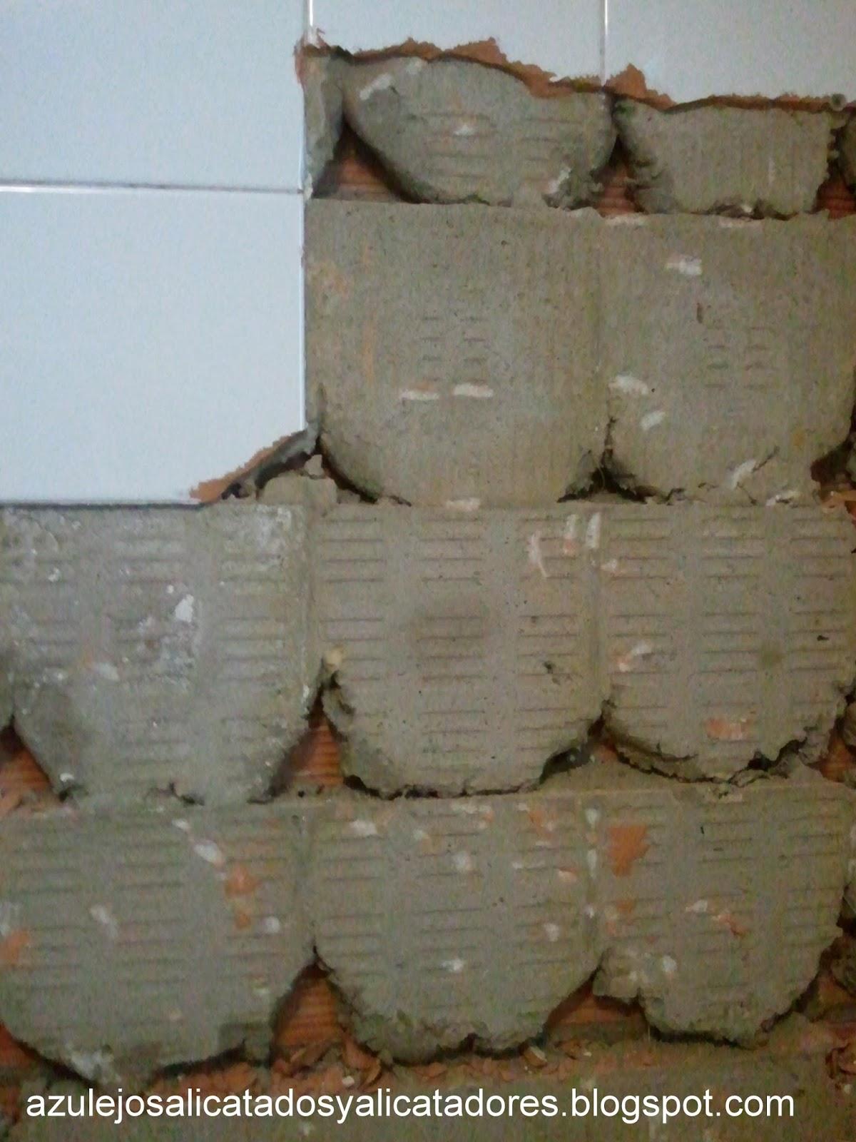 Quitar Azulejos Baño Sin Romperlos: color blanco mate (es decir sin brillo) y su formato es de 40×40 cm