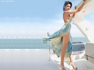 الممثلة الهندية أنوشكا شارما في صور جميلة