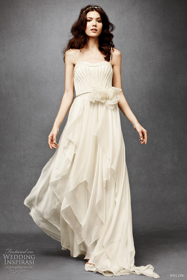 I love these short Audrey Hepburn inspired wedding dresses Simply classic