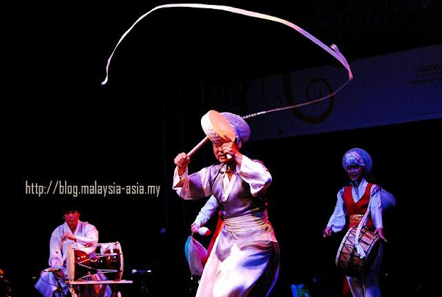 Korean dancers performing in Sarawak