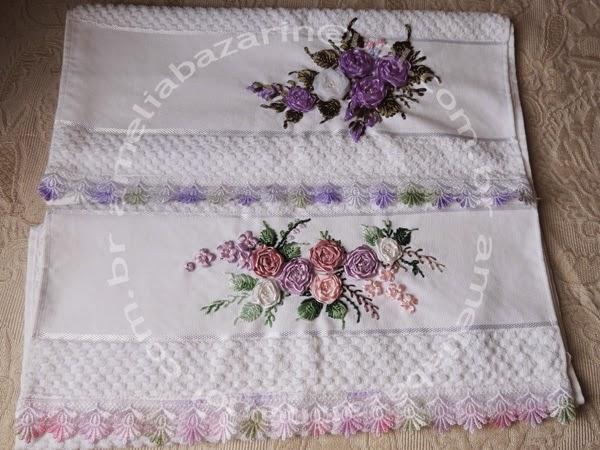flores de fitas em cetim, flores de fitas em voal, toalha bordada