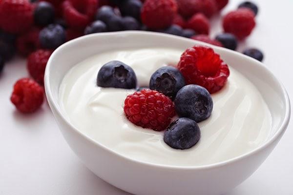 healthy food for weight loss, lose weight, weight loss, yogurt, berries, grapes