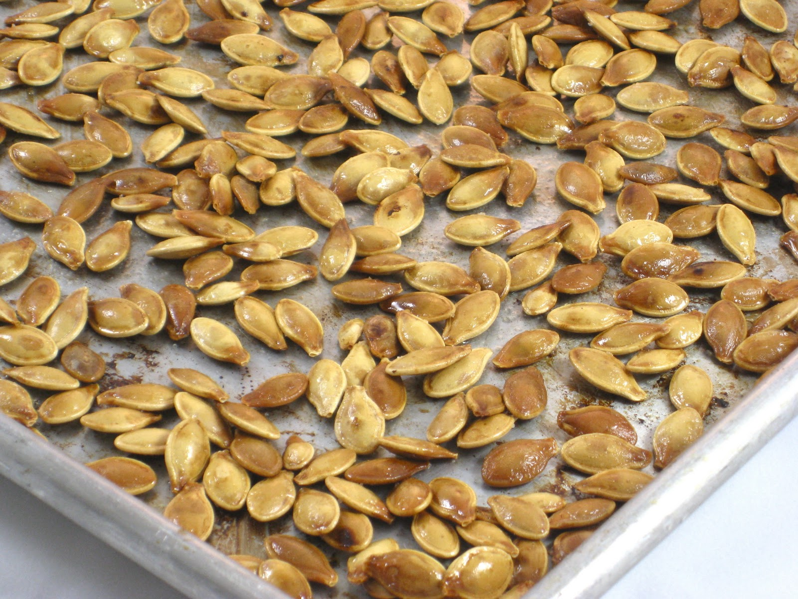 roasted-pumpkin-seeds-photo.jpg