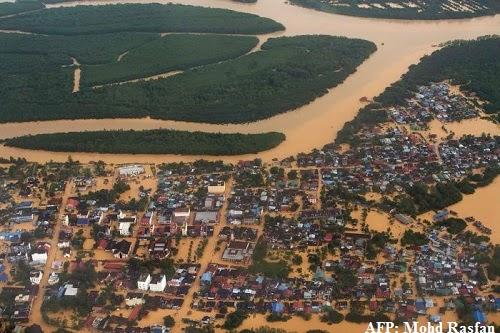 Flash_flood_in_Kelantan_Malaysia_2014_photo