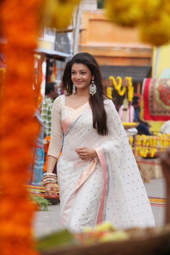 Hot Kajal Aggarwal in White Saree