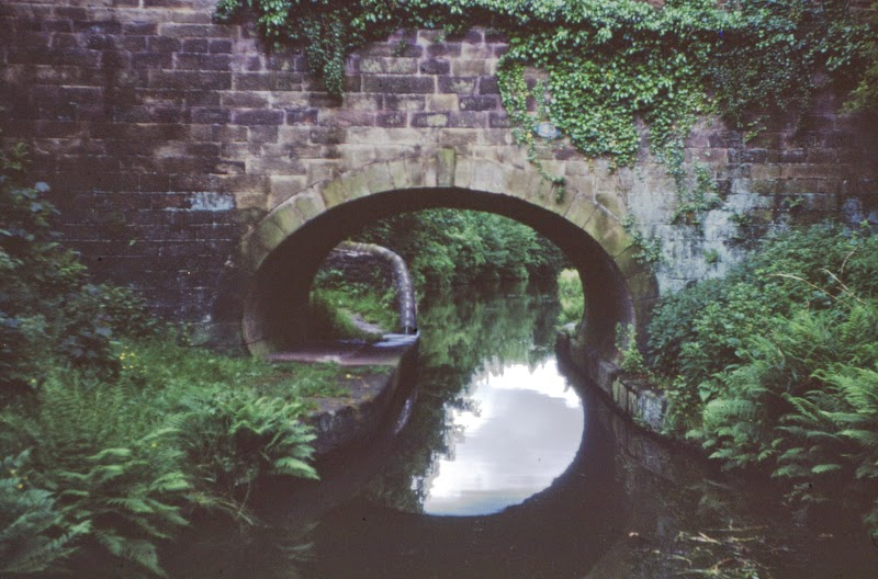 Roving bridge on the Macclesfield