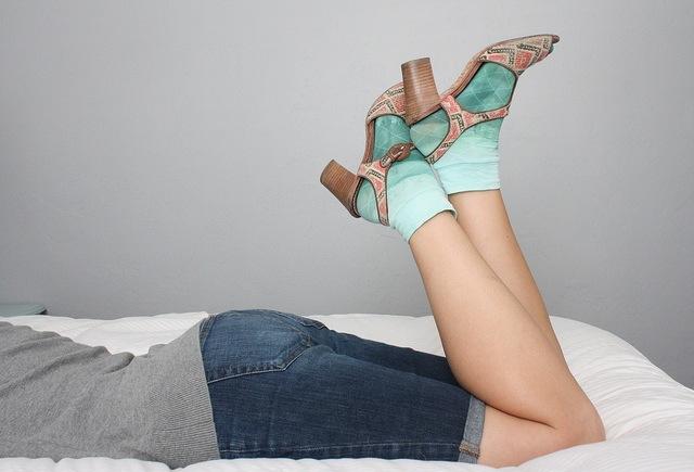 Hauskat liukuvärjätyt sukat