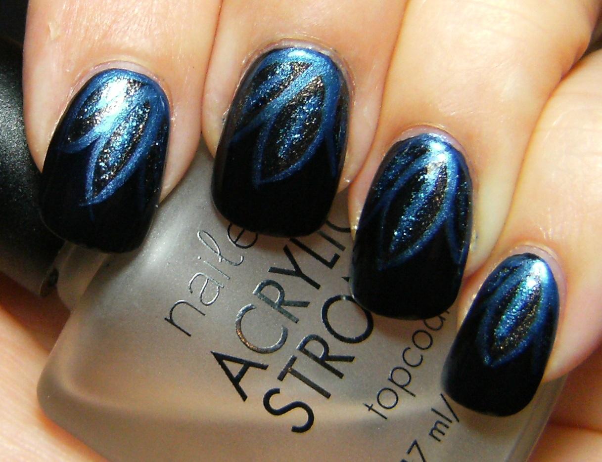 Deez Nailz: blue flowers/leaves?