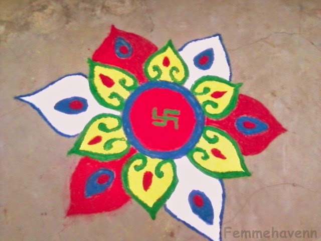 The gallery for --> Simple And Beautiful Rangoli Designs ...