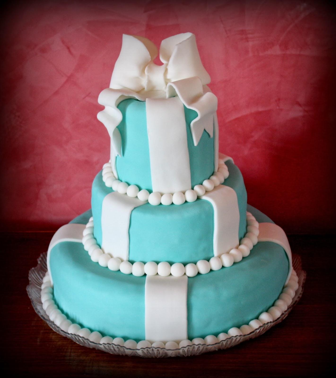 Claudia cakes torta tiffany 3 piani for 30x30 piani di piani a 2 piani