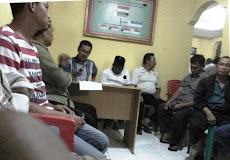 Rapat RT di Kantor Kelurahan Labuhanratu