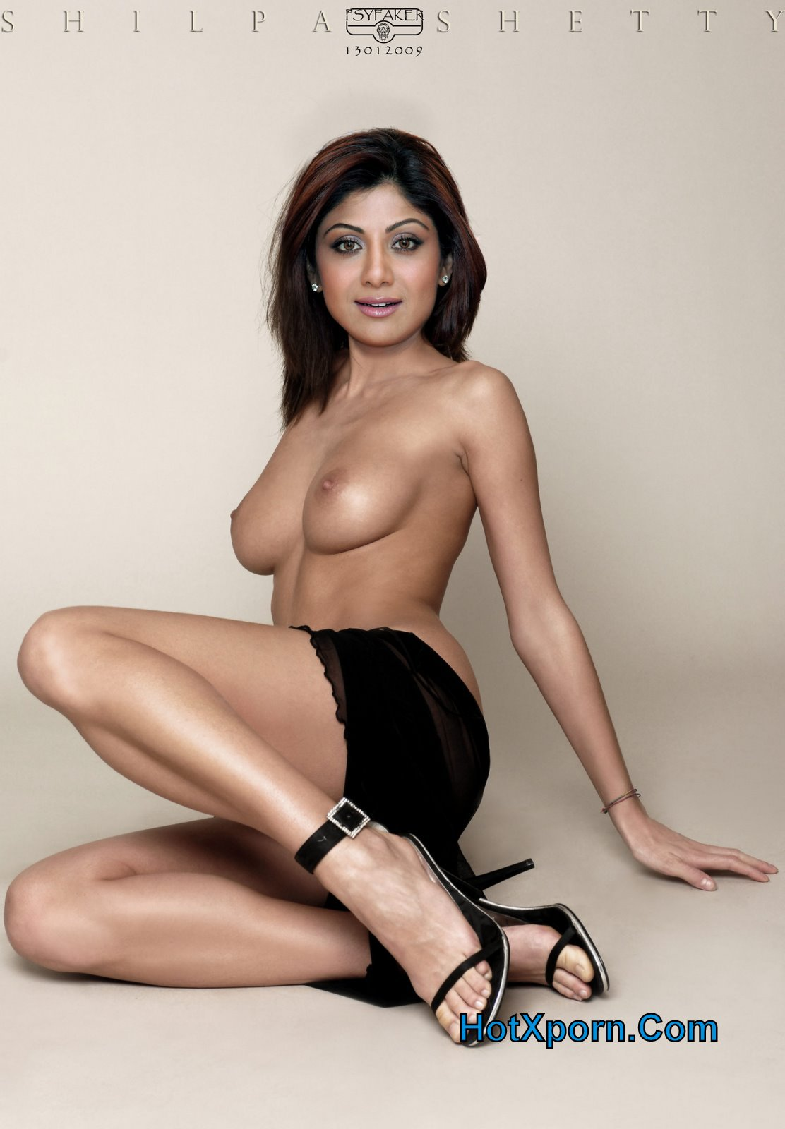 Nude Indian Actress Picture of Shilpa Shetty Big Boobs and Showing ...