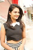 Neha Deshpande Glamorous look-thumbnail-8