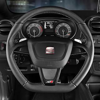 Innenraum des neuen SEAT Ibiza Cupra