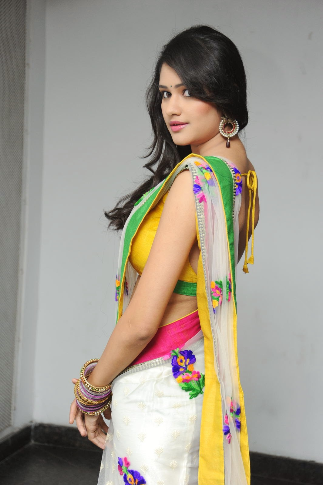 Kushi glamorous saree photos-HQ-Photo-15