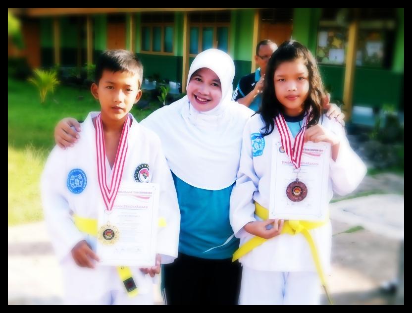 Siswa dan Siswi Jadi Juara Taekwondo