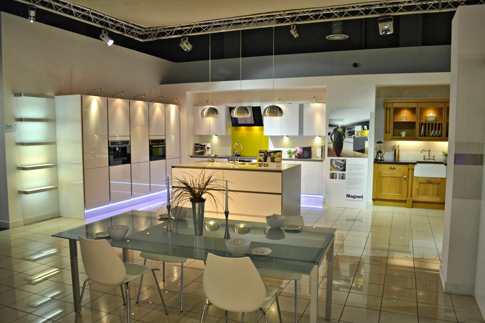 Exceptionnel Our Home Moving Forwards U0026 Magnet Kitchens   Write Like No Oneu0027s Watching