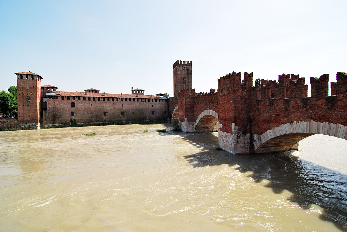 Castlevecchio and the River Adige in Verona, Italy. Photo: WikiMedia.org.