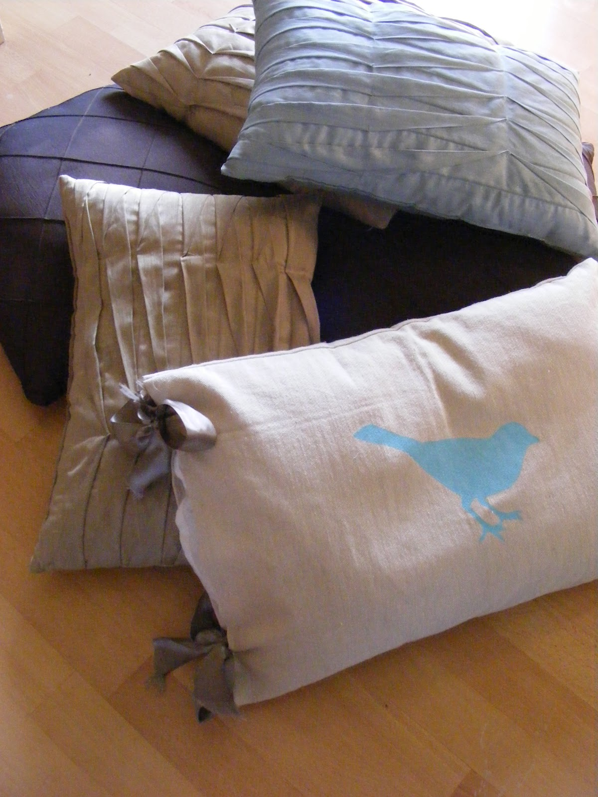 The Year of Less: Day 1: Tossing the Throw Pillows (Ack!)