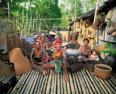 曾经的猎头族,一些村落仍把先人留下人头骨保存着