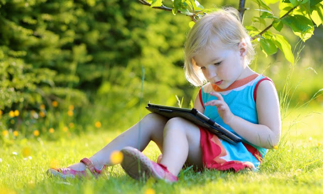 How to use technology effectively during a summer break