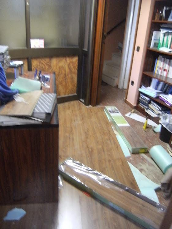 montajes de oficina en valencina de la concepcion parquet@2000