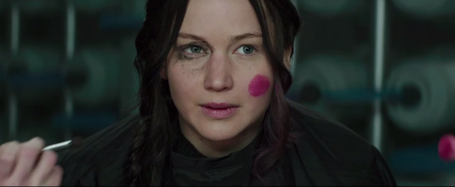 hunger games mockingjay part one deleted scene katniss effie