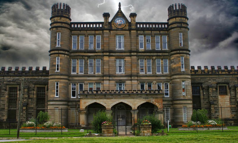 Top 25 Most Haunted Places In America Part 2 Of 2