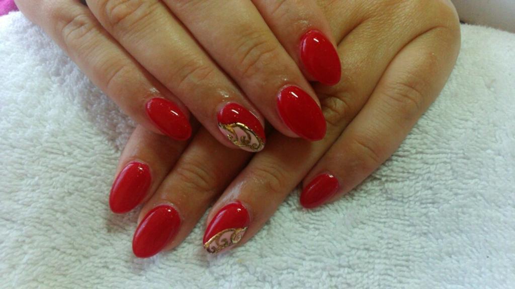 Paznokcie żelowe I Hybrydowe Czerwona Elegancja