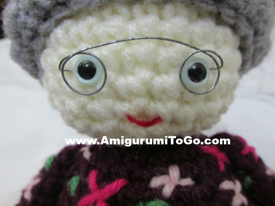 Glasses For Amigurumi : The Old Lady Who Swallowed A Fly ~ Amigurumi To Go