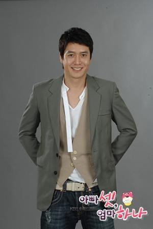 Jo Hyun Jae sebagai Han Kang