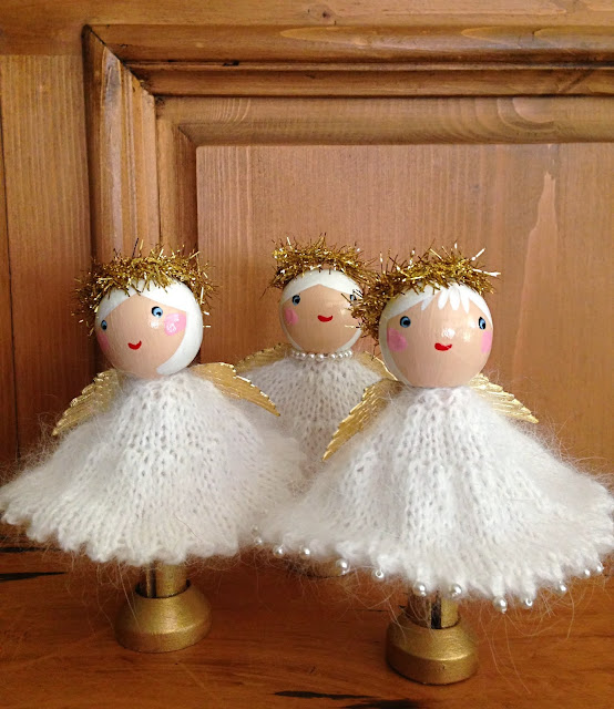 Knitting Pattern For Xmas Angel : Top Ten Christmas Movie Guide with Knitting Projects ...