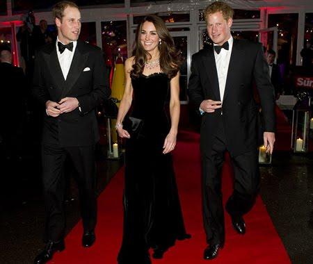 Уилям, Кейт и принц Хари на военните награди