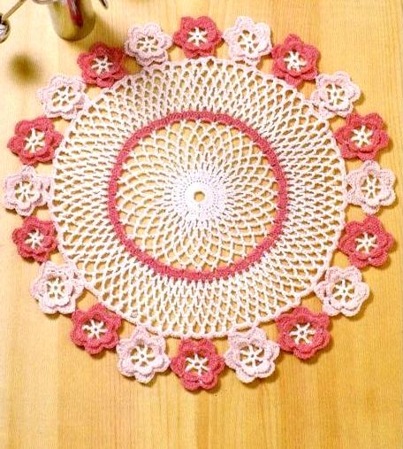 Uncinetto e crochet centro tavola rosa pesco in fiore - Centro tavolo all uncinetto ...