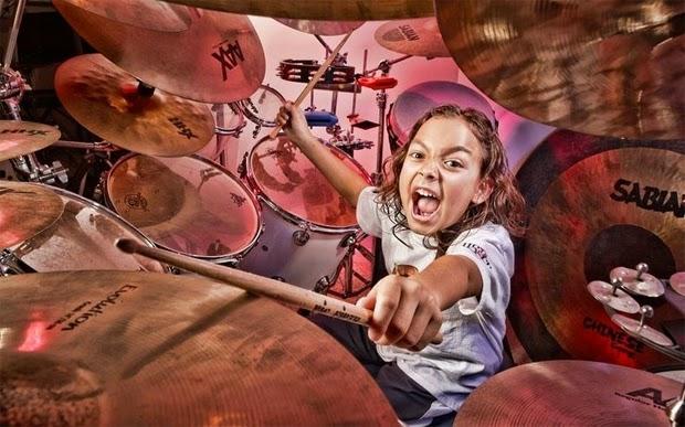 pemain drum termuda