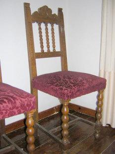 aqu vemos la silla antes de empezar el trabajo en este caso el asiento tena muelles que al haberse oxidado no hacan su trabajo