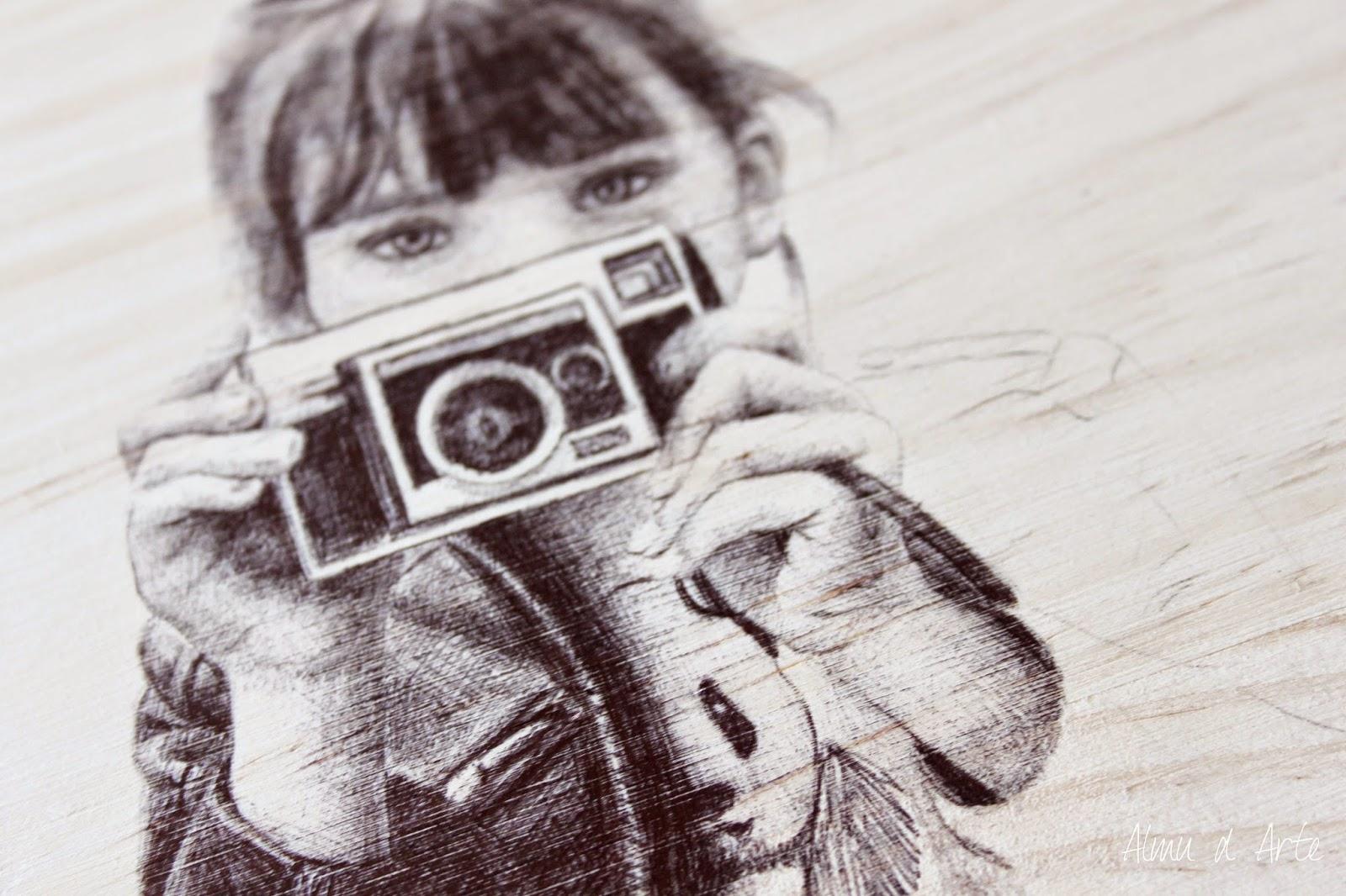 Retrato con bolígrafo negro