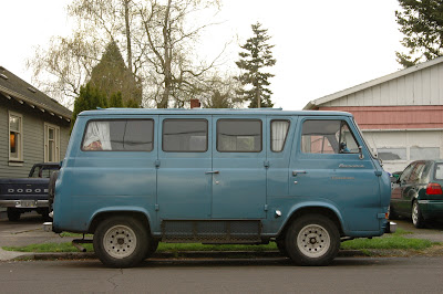 1962-Ford-E-Series-Econoline-Travel-Wagon-Camper-Van.