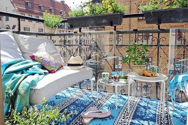 ерасивый балкон с видом