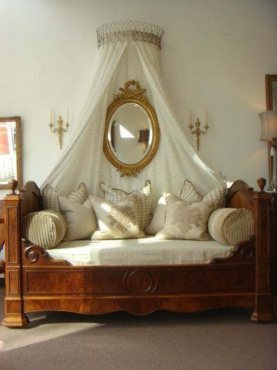I love this! What a great day bed! & Bed Cornices - Petite Haus
