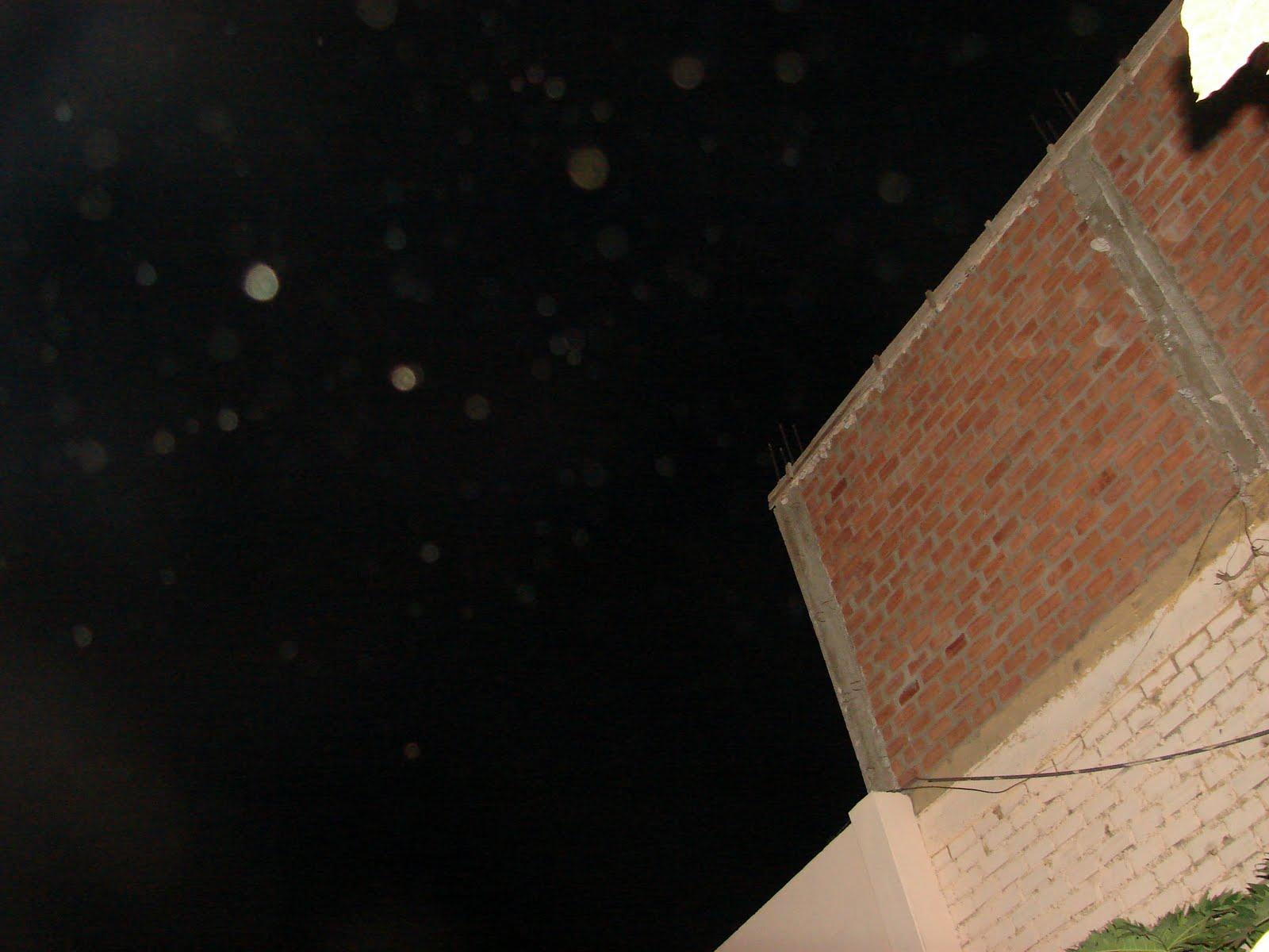 ATENCION-14-mayo-15-16-17...2011 Ultimos avistamientos Esferas ET Ovni-hrs-1:47:00 am sec..