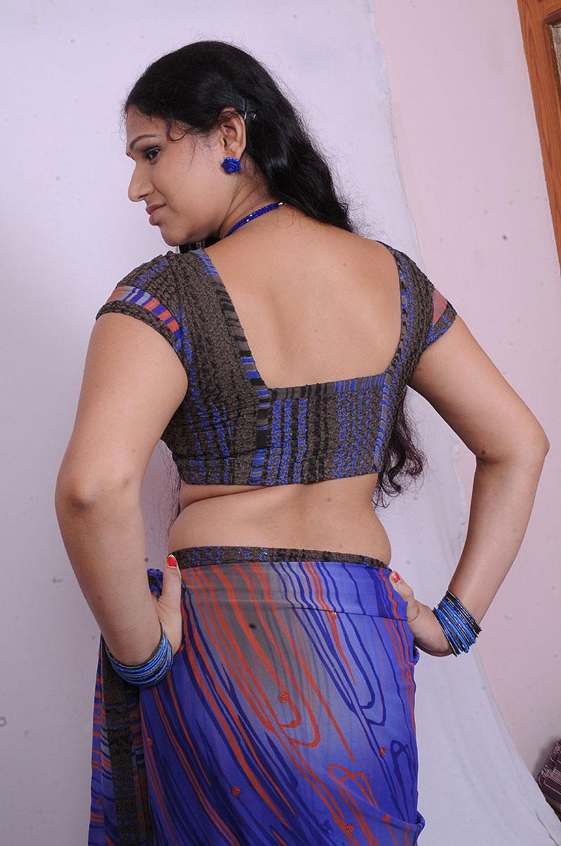 Hot Mallu Aunty Sirisha hot photos from