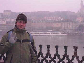 Nella zona del Parlamento di Budapest (2011)